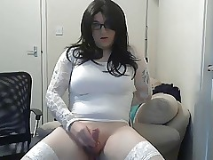 Crossdresser Lydia Strive a the hots be advantageous to cumshot