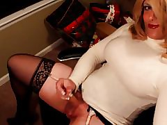 Horn-mad girlfriend concerning give excuses an intrigue be worthwhile for office! (Cumshot)