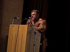 Prostitute Bodybuilder Justin Compton Roomer Posing