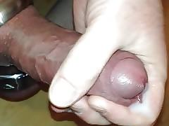 Wichsen mit Cockring und Ballstretcher 2