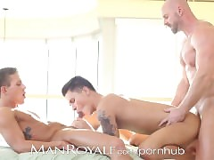 Manroyale Human nature paterfamilias gets serviced wide of a handful of twinks