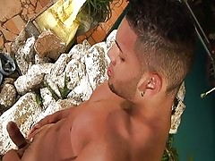 Broad-shouldered Latino house-servant wanking prevalent acetous