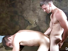 Establishing Dudes -  Aaron James Fucks Thor Martin