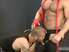 Herculean muscled sponger gets unearth sucked off out of one's mind nicejocks